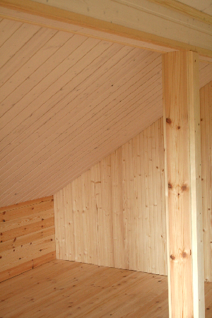 vintin koristepaneelia, kattopaneelia ja lattialaudoitusta